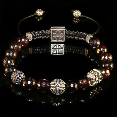 Garnet Bracelet / passion-creativity-determination