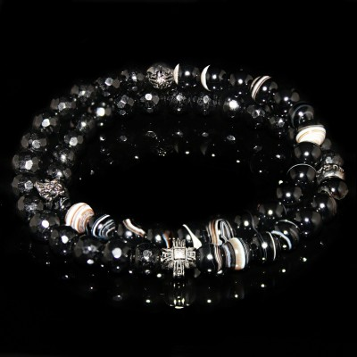 Wrap Bracelet With Bulls Eye Agate and Black Onyx   / Courage and strength